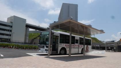 HILL SIDE バスターミナル近くに、P4立体駐車場がございます。